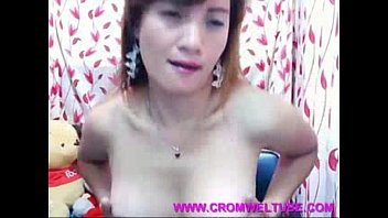 movel asia sex Hot chick in action with 2 big cocks