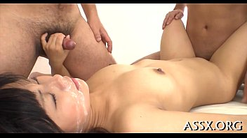 queen asian vagina plays shaved the Junges mdchen wird