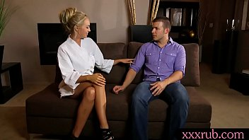 client masseuse dick during tugs blonde massage Housewife 1 n1